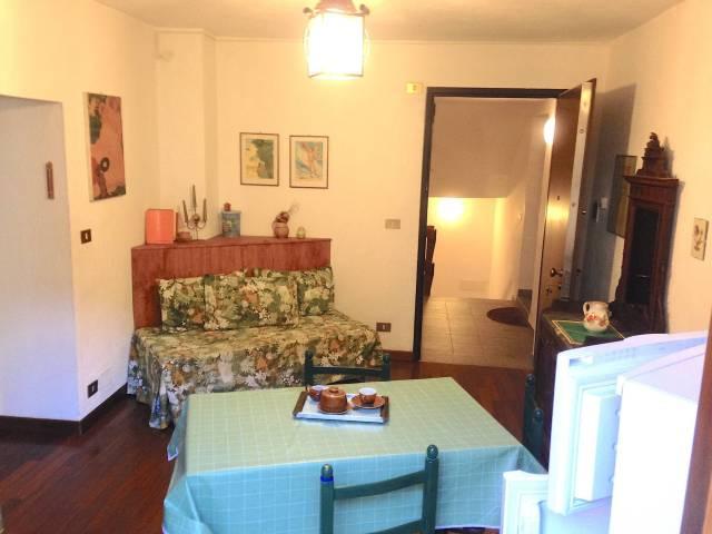 Appartamento in ottime condizioni arredato in affitto Rif. 4205236