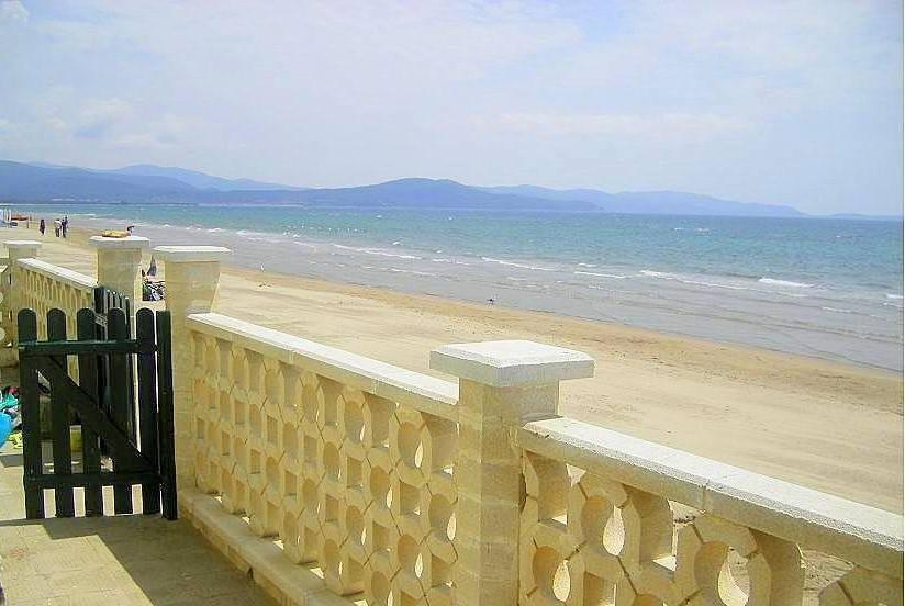 Follonica, casa sulla spiaggia vista mare, 8 posti