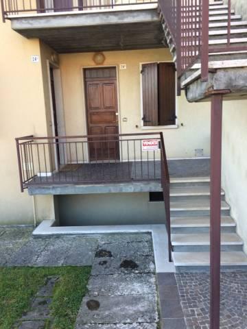 Appartamento in buone condizioni in vendita Rif. 4236054