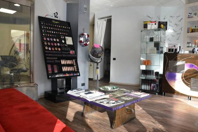 negozio - loc.com. verbania vendita  intra verbania casa snc