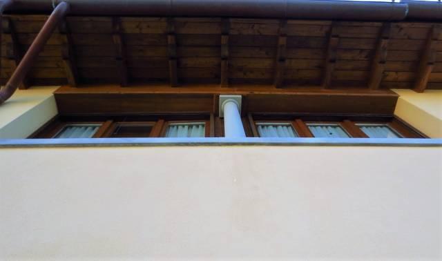 Fiesole affittasi appartamento di quattro vani in complesso