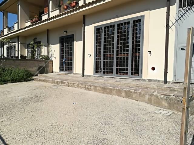 Appartamento parzialmente arredato in affitto Rif. 4259584