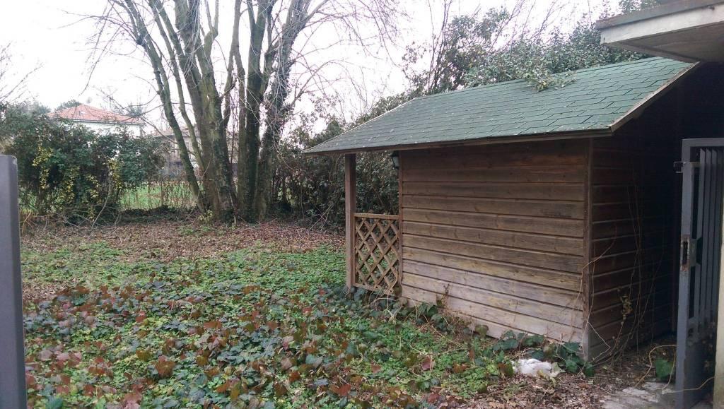 Appartamento in buone condizioni parzialmente arredato in vendita Rif. 5308359