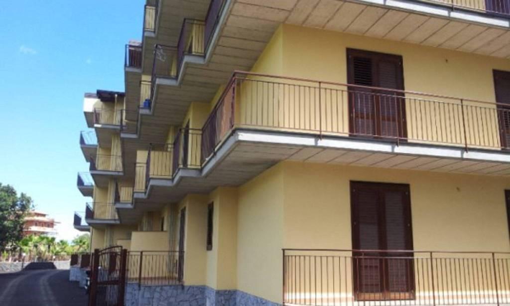 Appartamento in Vendita a Valverde Centro:  3 locali, 65 mq  - Foto 1