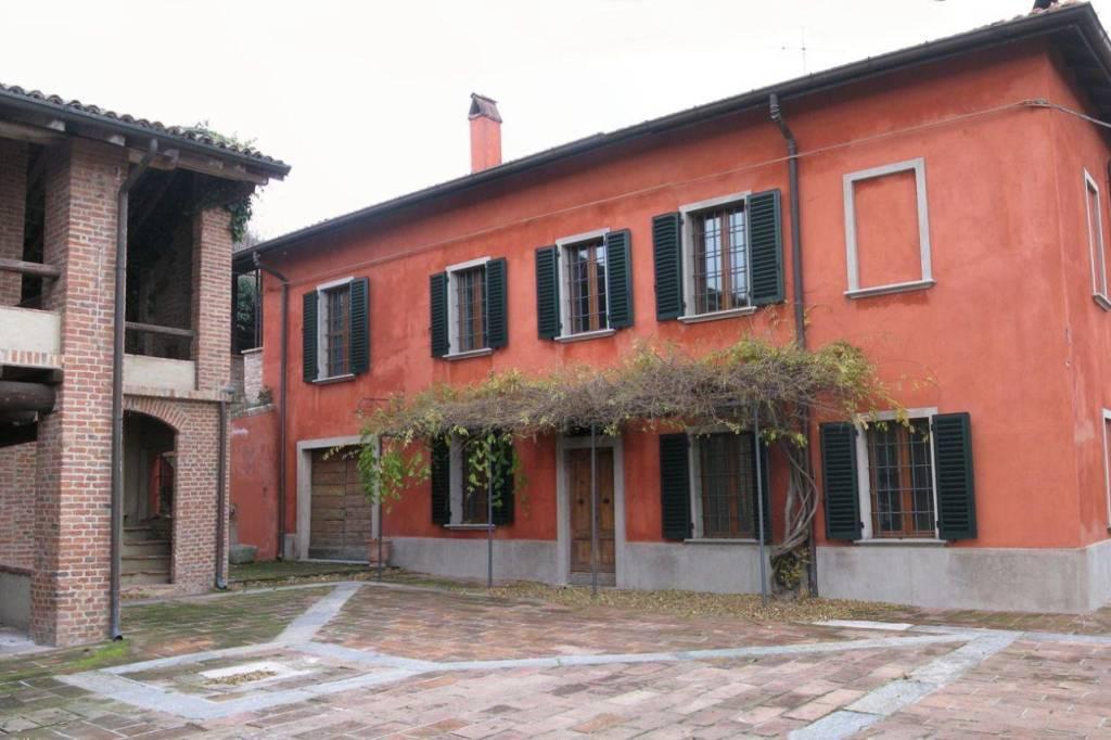 Rustico / Casale in vendita a Stradella, 14 locali, prezzo € 690.000 | PortaleAgenzieImmobiliari.it