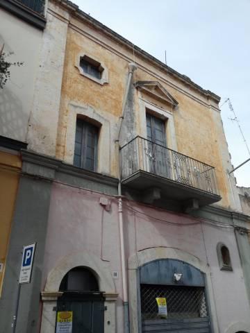 Stabile 5 locali in vendita a Valenzano (BA)