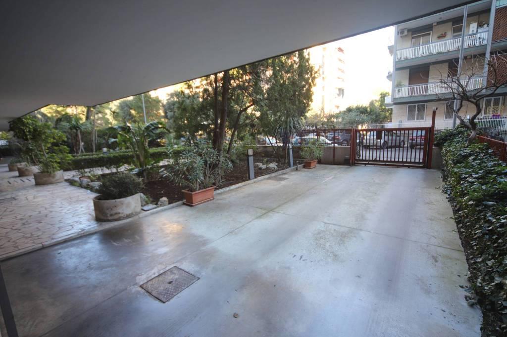 Appartamento in buone condizioni in vendita Rif. 8900223
