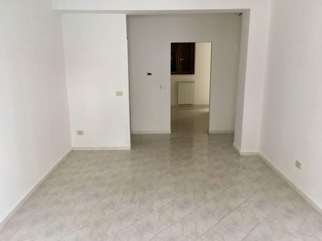 Appartamento in ottime condizioni in vendita Rif. 6813075