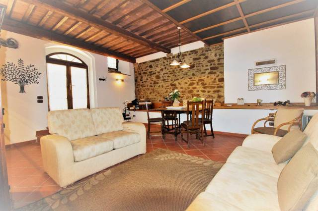 Appartamento in ottime condizioni arredato in affitto Rif. 4932514