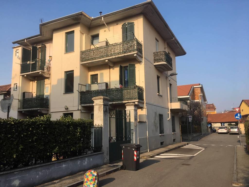 Appartamento in ottime condizioni in vendita Rif. 8398810