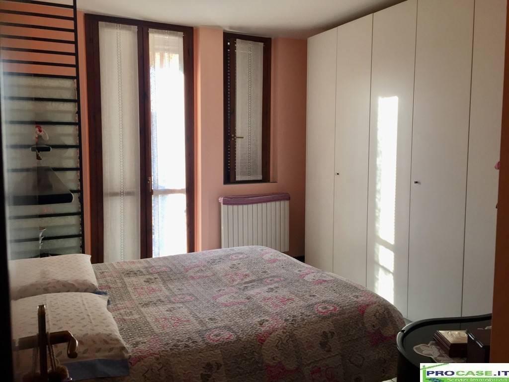 Appartamento in vendita a Rovello Porro, 3 locali, prezzo € 85.000   CambioCasa.it