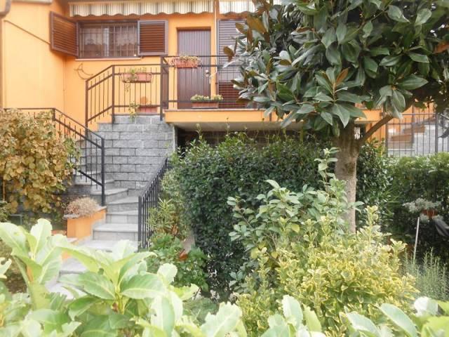 Appartamento in buone condizioni parzialmente arredato in vendita Rif. 4254148