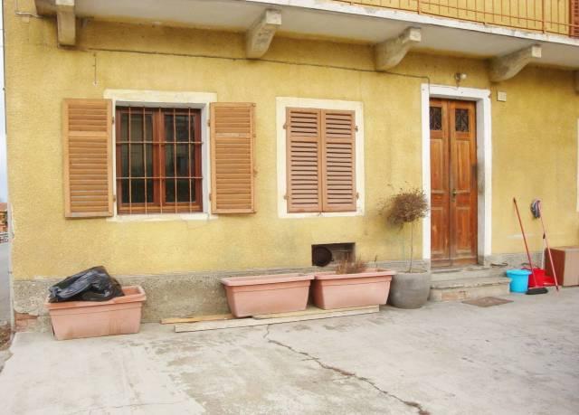 Appartamento in buone condizioni arredato in affitto Rif. 7029266