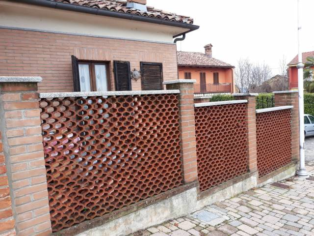 Villa in vendita a Castagnito, 3 locali, prezzo € 79.000 | Cambio Casa.it