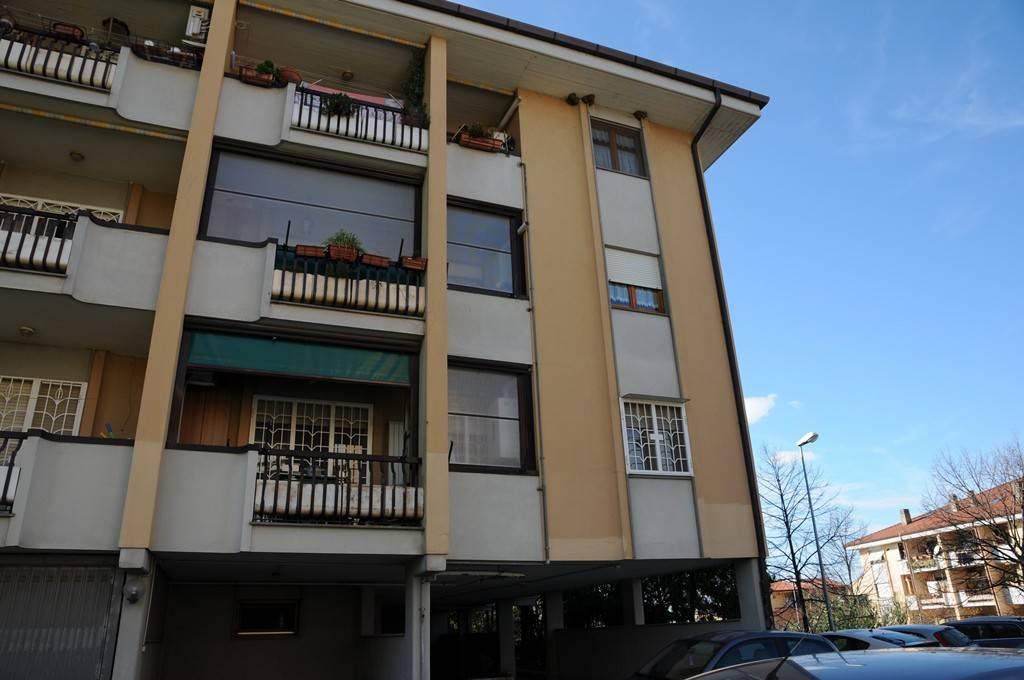 Appartamento in buone condizioni parzialmente arredato in affitto Rif. 8716240