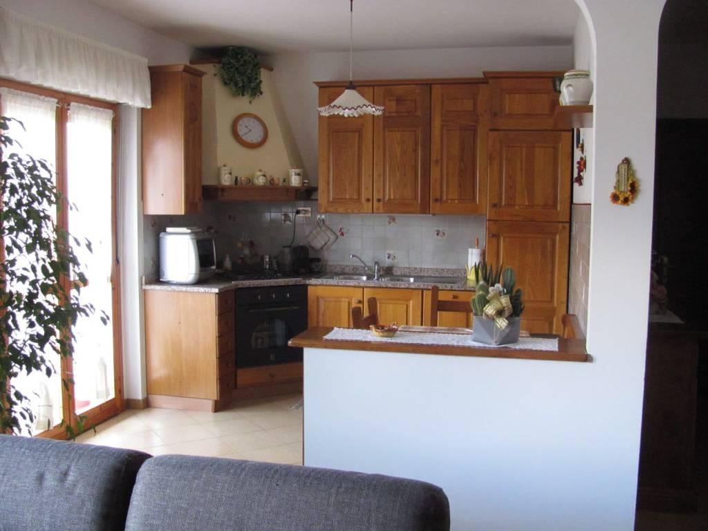Appartamento in vendita a Rufina, 5 locali, prezzo € 165.000 | PortaleAgenzieImmobiliari.it
