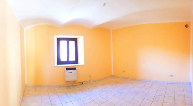 Appartamento in buone condizioni in affitto Rif. 4598944