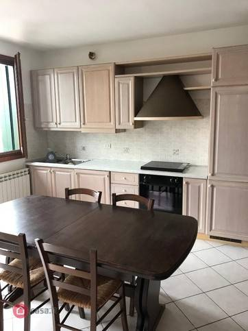 Appartamento in buone condizioni in vendita Rif. 4828096