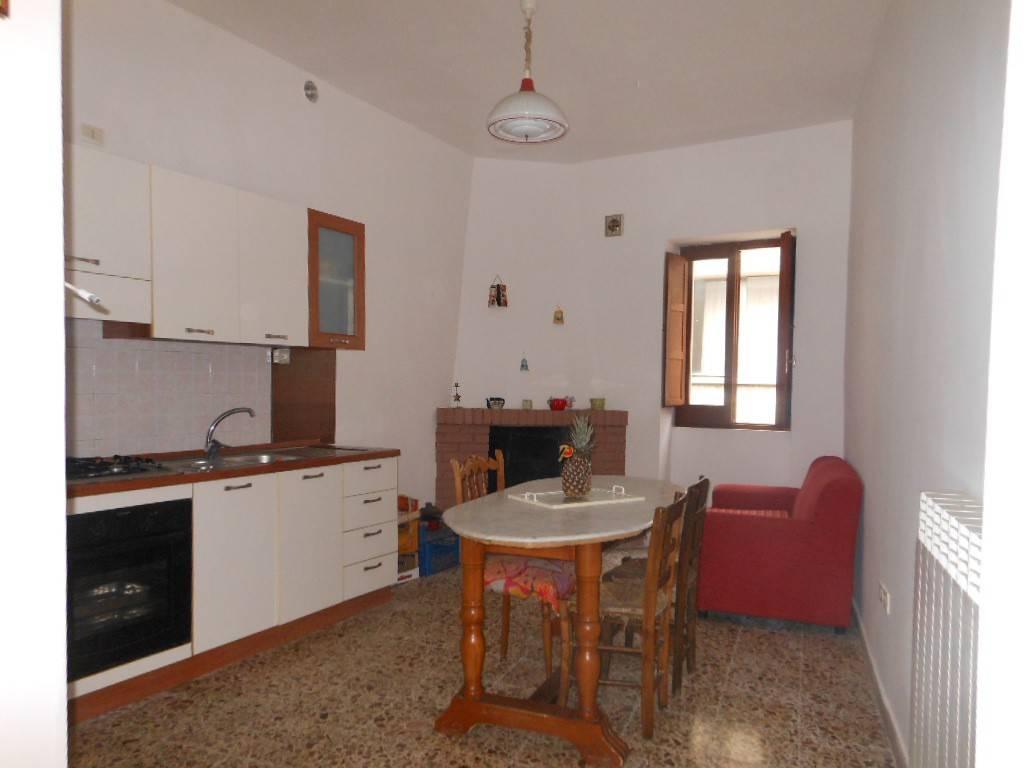 Appartamento in vendita a Roccaromana, 4 locali, prezzo € 35.000 | PortaleAgenzieImmobiliari.it