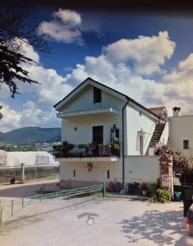 Appartamento in buone condizioni in vendita Rif. 4263225