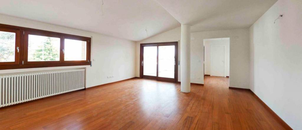 Appartamento in ottime condizioni in vendita Rif. 4407411