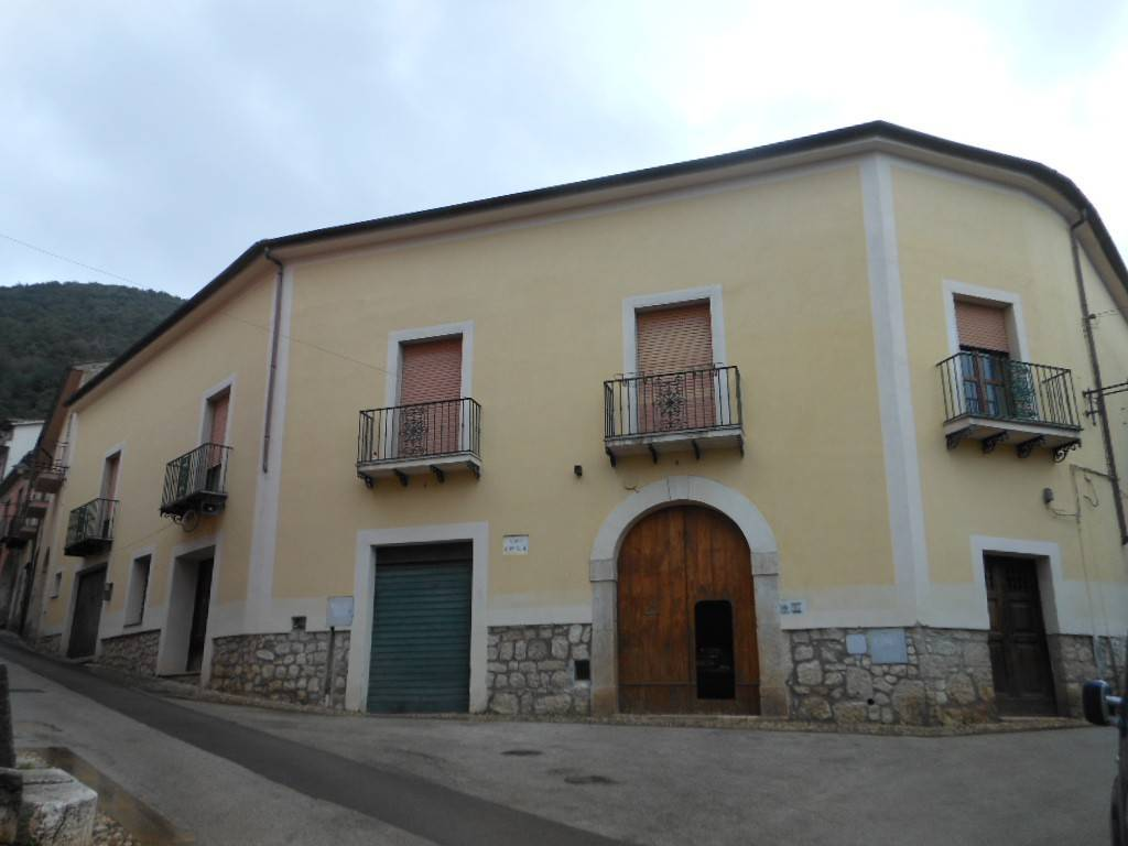 Appartamento in vendita a Roccaromana, 4 locali, prezzo € 45.000 | PortaleAgenzieImmobiliari.it