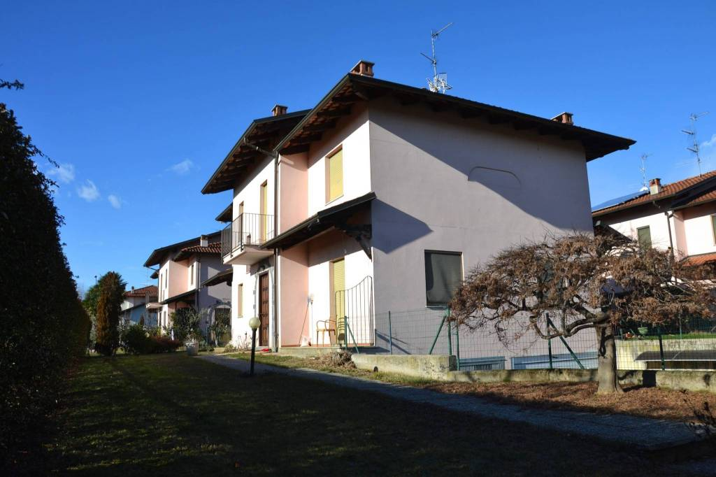 Villa in buone condizioni in vendita Rif. 4973145