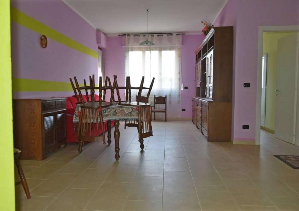Appartamento in vendita a Centallo, 4 locali, prezzo € 125.000   CambioCasa.it