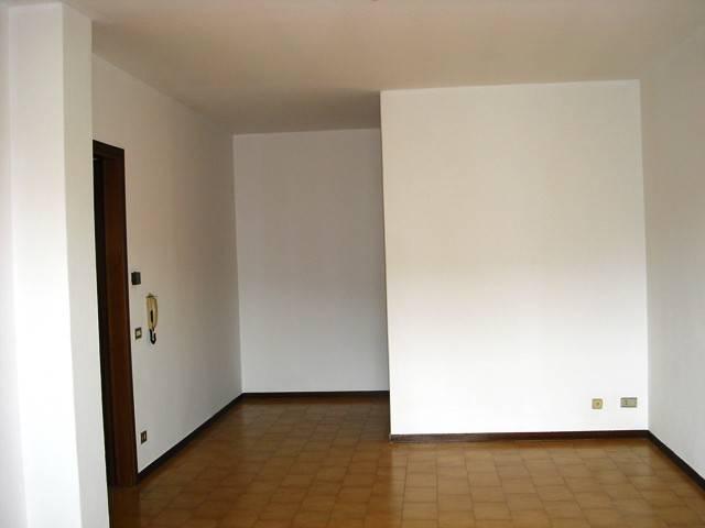 Appartamento in buone condizioni parzialmente arredato in vendita Rif. 4917300