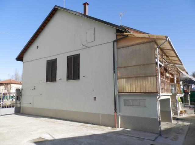 Appartamento in vendita a San Mauro Torinese, 3 locali, prezzo € 100.000   CambioCasa.it