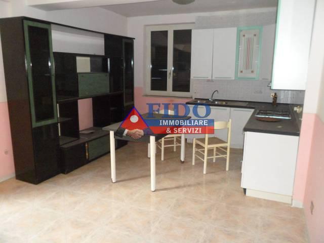 Appartamento in buone condizioni in affitto Rif. 6293307