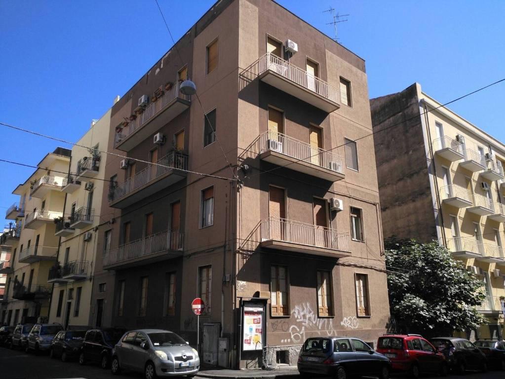 Appartamento in Vendita a Catania Centro: 5 locali, 135 mq
