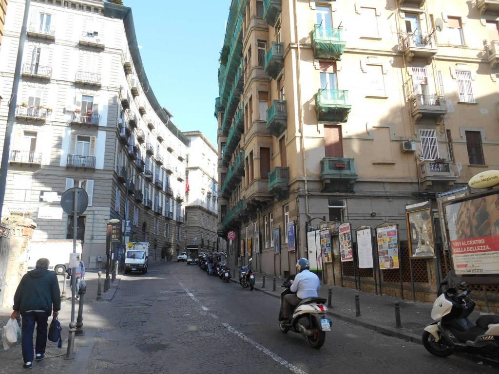Magazzino quadrilocale in affitto a Napoli (NA)