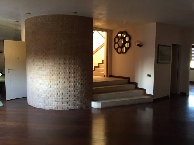 Appartamento in buone condizioni in vendita Rif. 4833208