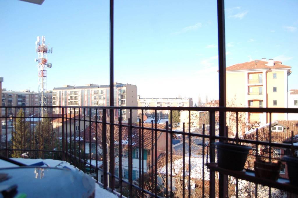 Appartamento in buone condizioni in vendita Rif. 8198887