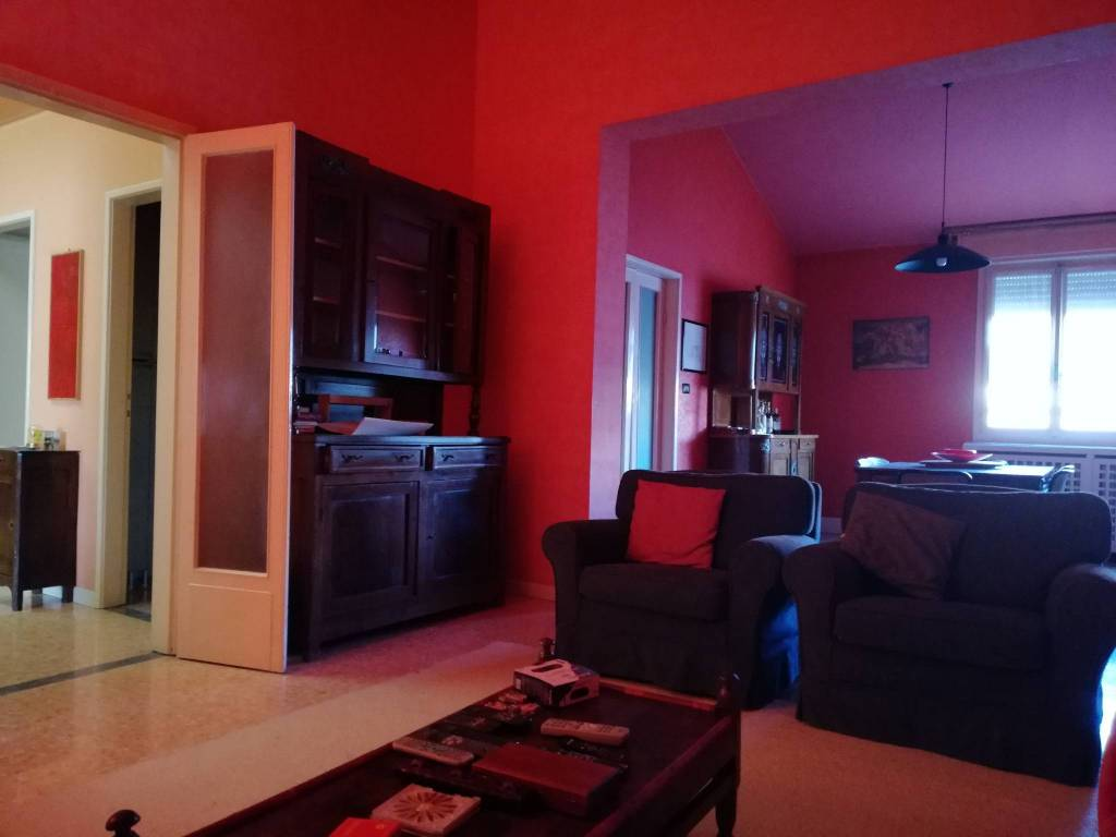 Appartamento in vendita a Viadana, 4 locali, Trattative riservate | CambioCasa.it
