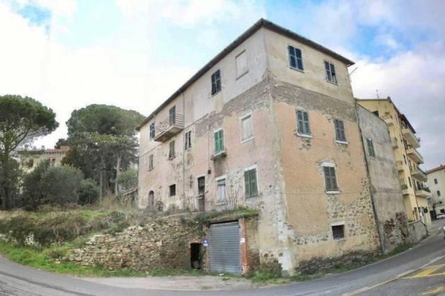 Complesso immobiliare a Manciano