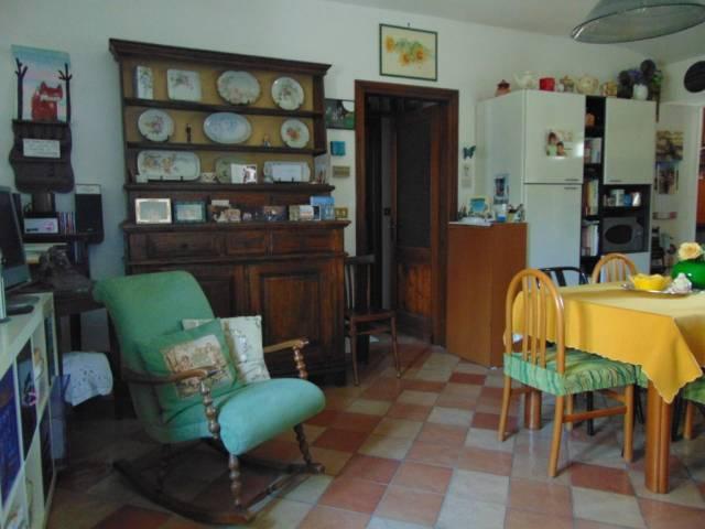 Appartamento in buone condizioni arredato in affitto Rif. 4598946