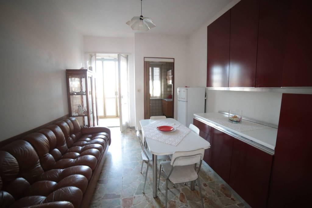 Appartamento in buone condizioni arredato in vendita Rif. 8495266