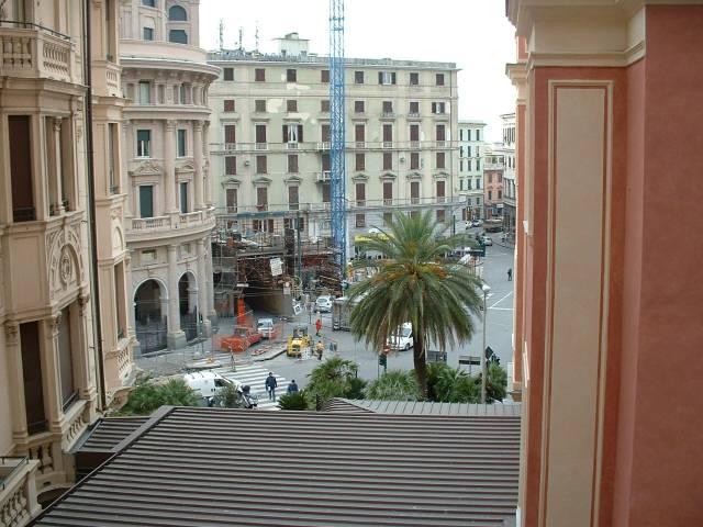 Appartamento in Affitto a Genova Periferia: 5 locali, 100 mq