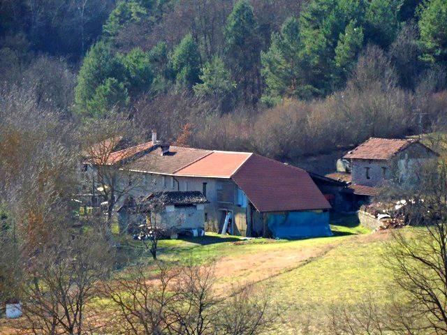 Rustico / Casale in vendita a Piana Crixia, 9 locali, prezzo € 350.000 | PortaleAgenzieImmobiliari.it