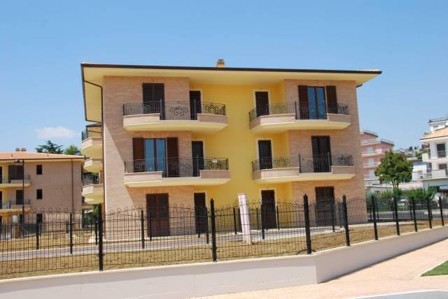 Appartamento trilocale in affitto a Monsampolo del Tronto (AP)