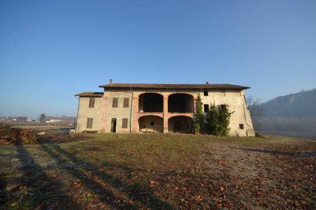 Rustico in Vendita a Clavesana Periferia: 5 locali, 920 mq
