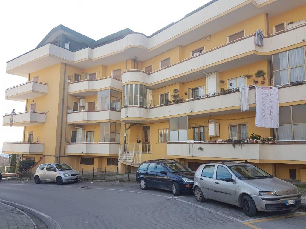 Appartamento di 3 vani ed accessori oltre a balconate