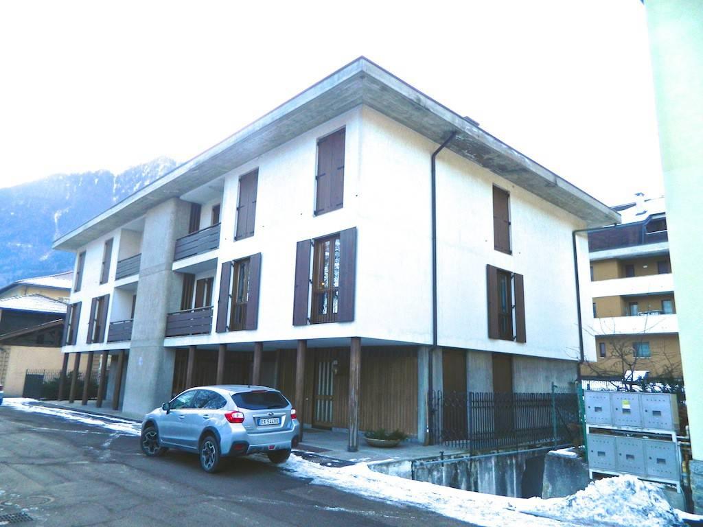 Appartamento da ristrutturare in vendita Rif. 4366319