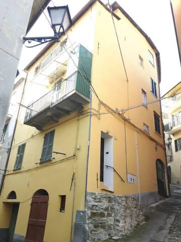 Appartamento in buone condizioni in vendita Rif. 5033842