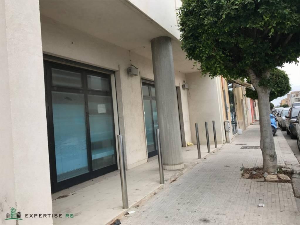 Ufficio convertibile in negozio in via Salemi, Marsala