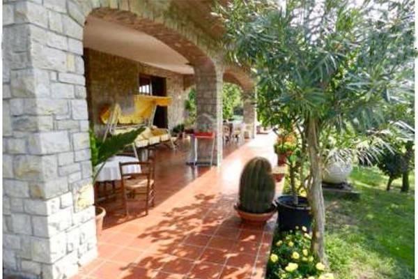 Villa in vendita a Cenate Sopra, 6 locali, prezzo € 235.000 | CambioCasa.it