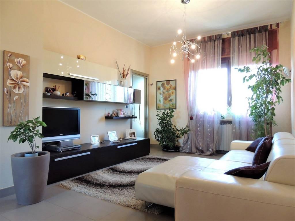 Foto 1 di Villa SP318, frazione San Biagio, Centallo