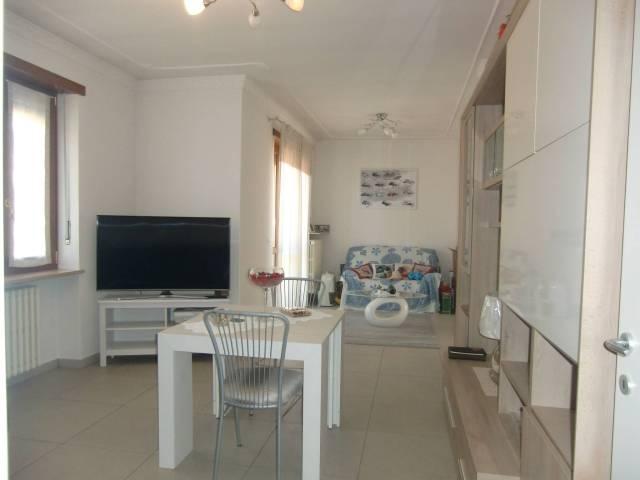Appartamento in ottime condizioni in affitto Rif. 5016526
